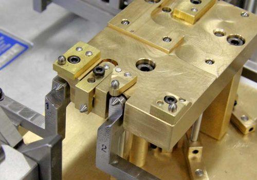 Multi-Point Platen Tooling - 37973_5-edit